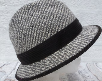 faff535d Grey tweed hat bucket style trilby vintage wool accessory Small size hat  Made in England 70s