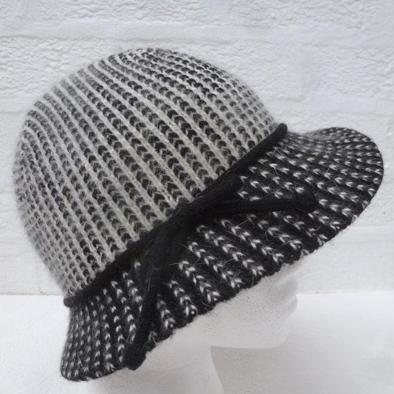 e0c8d9e969f Black hat womens kangol vintage head accessory 1980s gift