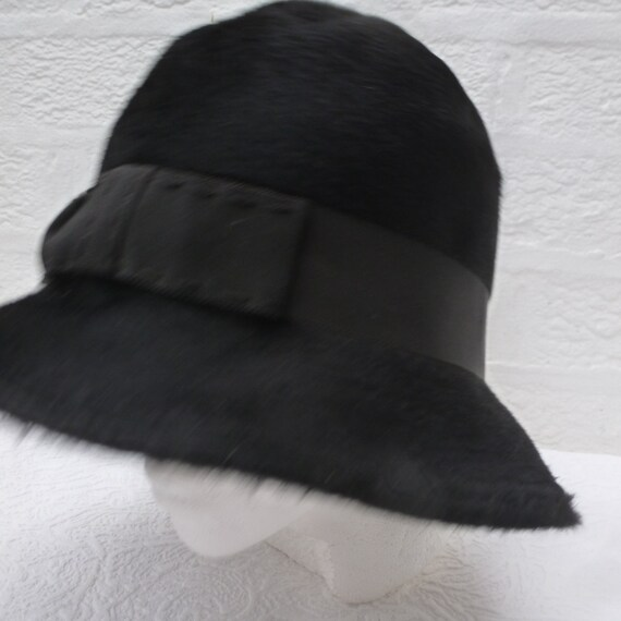 497132b1843 Small hat womens accessory 1960s fashion made in England black