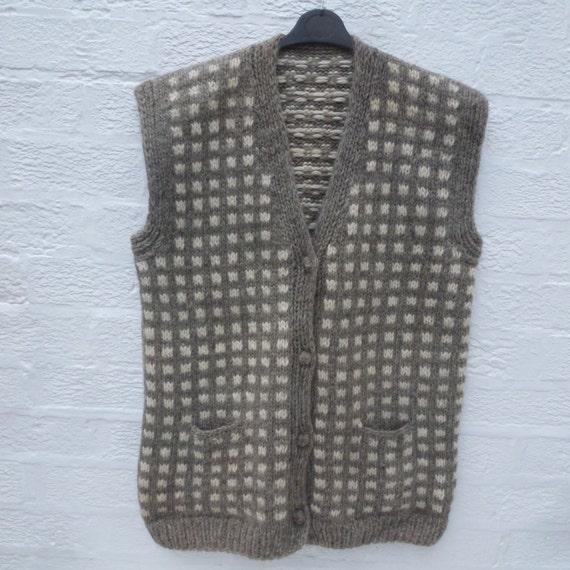 Womens 1980s scandi clothing chunky nordic waistcoat jumper Norwegian vest sweater top sleeveless cardigan traditional winter wool gilet.