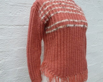 Sweater festival boho clothing 1980s vintage winter hand knit, indie fringed crop pullover small women's.