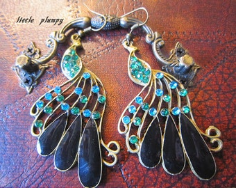 Under 5 Sale-  Retro Antiqued Brass Tone Green Gem Peacock Dangle Earrings-Vintage Style-Exotic Style-Handmade