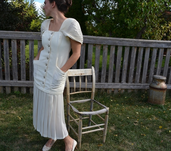 1920s-30s Flapper Like Style Cream Dress