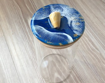 Seashell glass container with bamboo lid