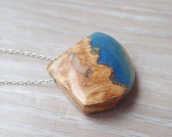 Burl Wood and Blue and Beige Resin Necklace
