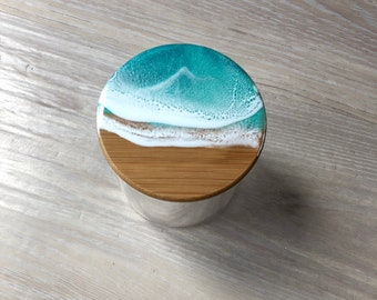 Resin wave glass container with bamboo lid