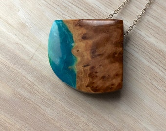 Burl Wood and Blue and Green Resin Necklace