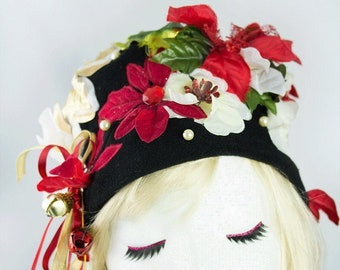 Aunt Bethany Christmas Vacation Hat   Black Pillbox Hat with Flowers and Pearls for Festive Party at Clark Griswold's House