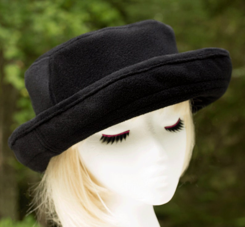Women's Roll Brim Wool Hat  Winter Cape Breton Hat  Black