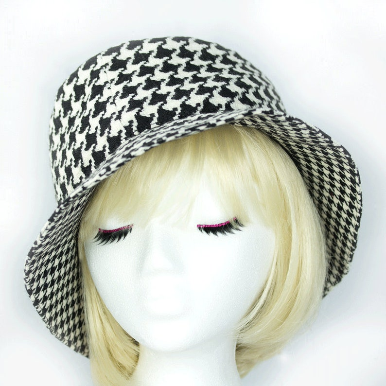9773b5c079d Womens Winter Cloche Bold Black White Houndstooth Fedora