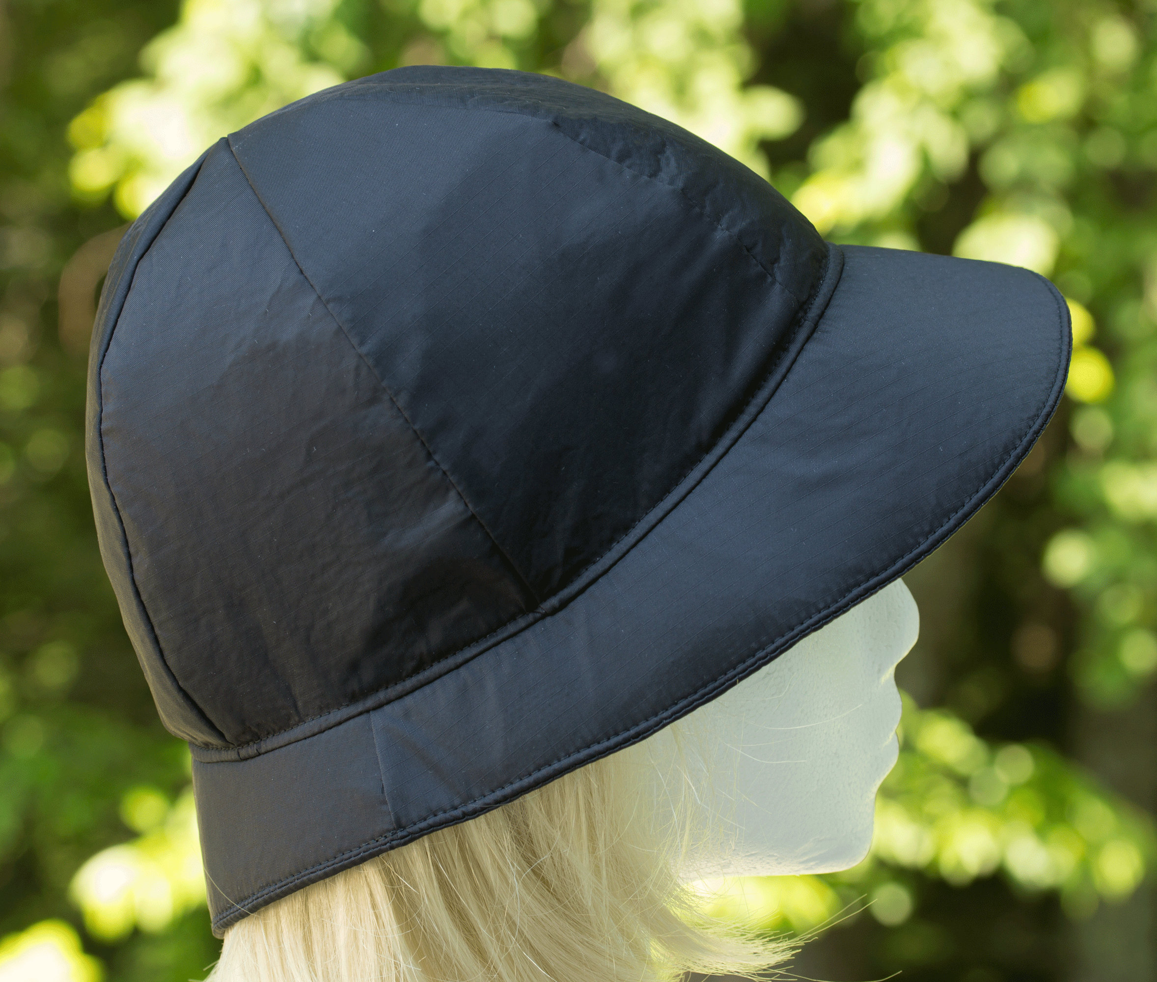 INTERNATIONAL HEADWEAR Bucket /& Beanie Panel Mens Hat White Showerproof