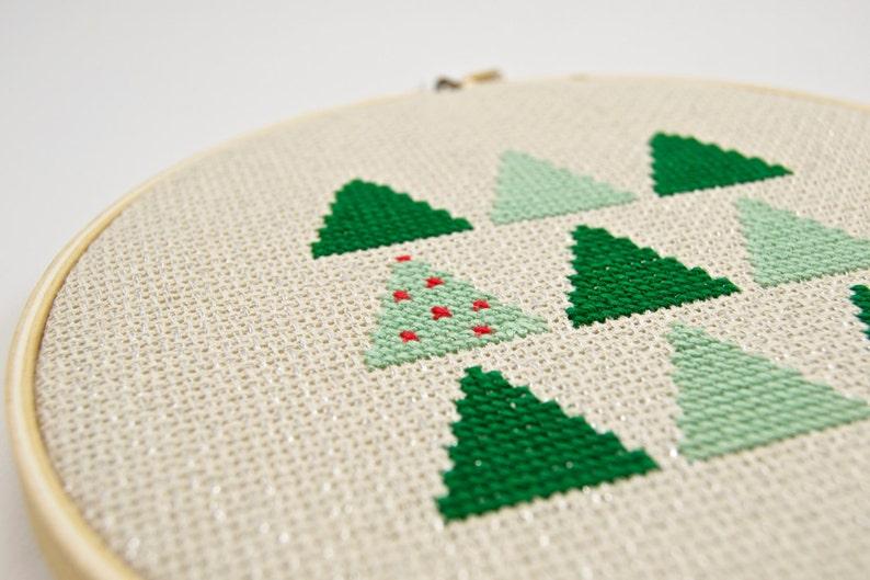 Green Modern Christmas Tree Cross Stitch Pattern DIY Unique image 0