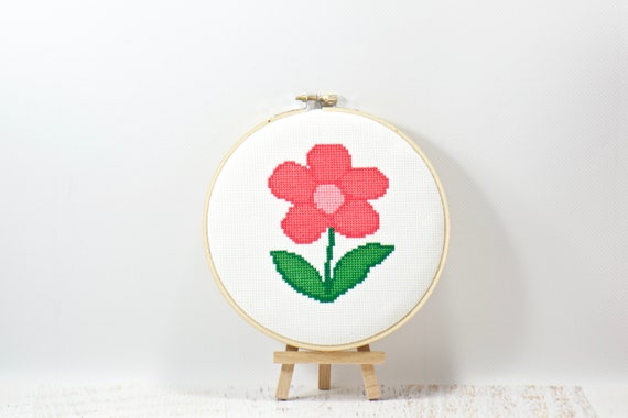EASY, Mouse-House Hand Embroidery Hoop Art Sewing Pattern /& Tutorial