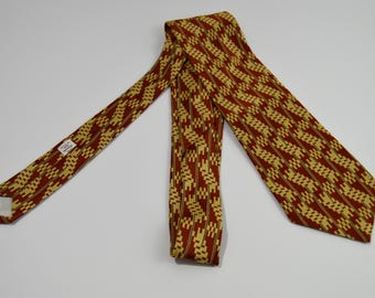 Vintage 1970s Zig Zag Striped Red and Yellow Wide Necktie