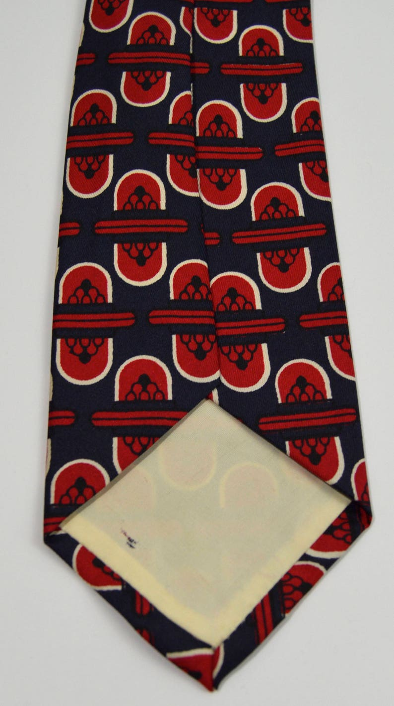 0f987294d Vintage 1950s Navy and Red Patterned Silk Necktie