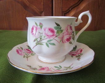 Royal Albert Bone China Tea Cup and Saucer , England * flower pattern ,Footed Cup   ( C-32 )