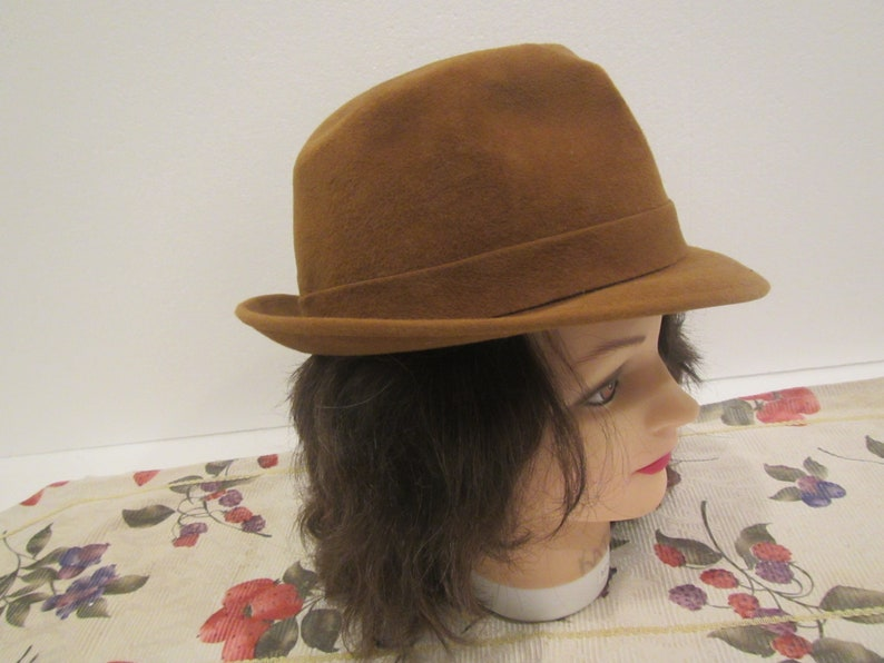 Fedora ** brown **  Always a Standard of Quality ARTEL BEAVER HAT size 7  18  **