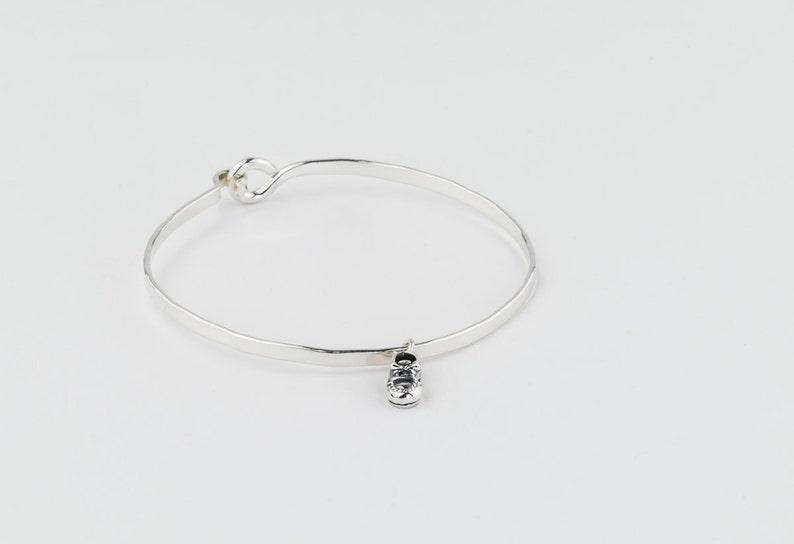 Fashion Jewelry Mother Silver Charm Bracelet.