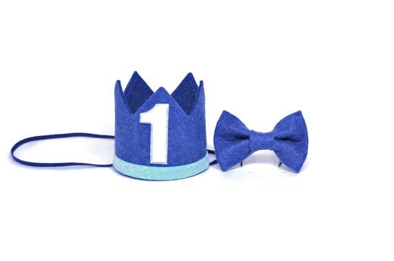 Couronne d'anniversaire garçon et un noeud papillon ensemble minimal  1er chapeau de fête d'anniversaire || Première Couronne d'anniversaire || Tenue d'anniversaire garçon || Bleu clair + Jean