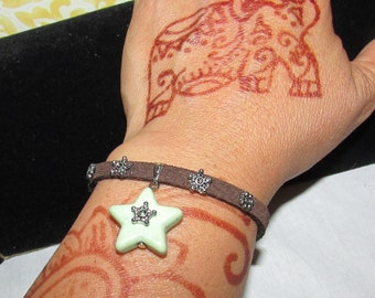 Petite leather suede brown bracelet womens with star