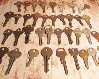 d462af2bcba4 38 Vintage Keys House