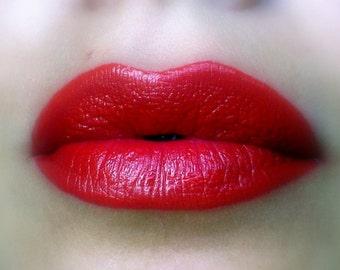Red Lip Contour / Liner / Paint - Red matte lip color / lipstick