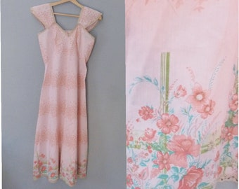 S size Nylon floral lined hippie dress in off white pink colors In a very good vintage condition. custom made in Greece 70s sweet dress