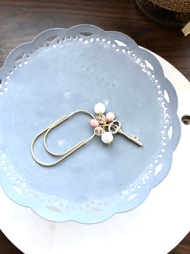 Rhinestone Skeleton Key Pink and White Pearl Gold paper clip image 0