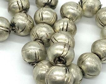 Strand of vintage Ethiopian metallic beads <jewelry making>