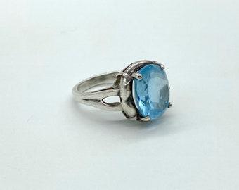 Vintage sterling silver blue topaz cocktail ring