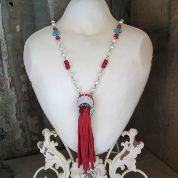 White and Red Indian Head Dress Lariat Style Necklace