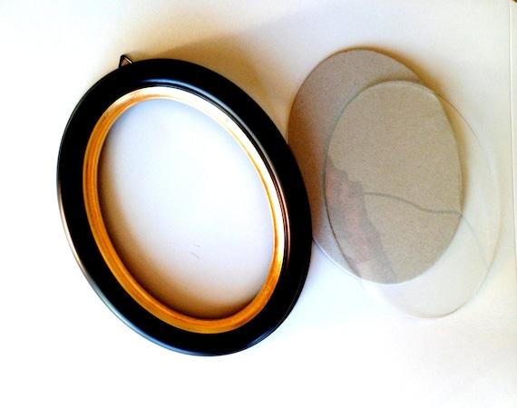 5x7 Black Oval Wood Silhouette Frame