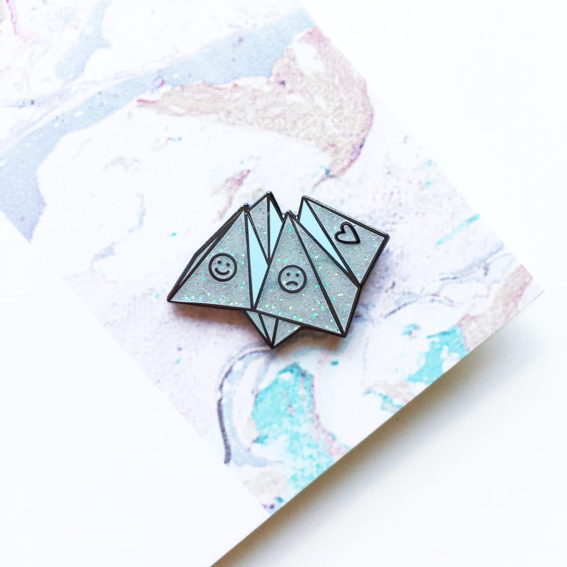 Origami Fortune Teller Enamel Pin Lapel Pin Badge  White image 0