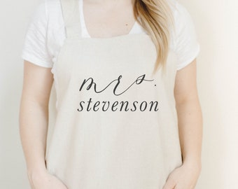 Personalized Apron, Mrs. Apron, present, housewarming gift, kitchen decor, mother's day present, gift for mom