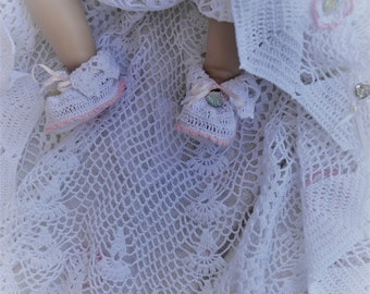 heirloom  christening crochet booties pattern, pdf downloadable pattern, thread crochet booties, baptism booties pattern, blessing booties