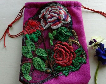 small drawstring pouch/ drawstring felt bag in magenta pink with sentimental rose applique