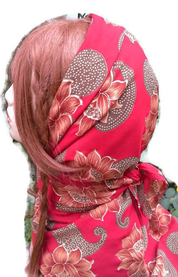 Heiße rote Quadrat Schal / Schal in rot Georgette von Indien