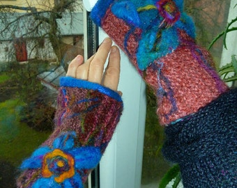 knit arm warmers / fingerless gloves  in purple with  blue felted flower / knit Lithuanian wrist warmers /  made to order