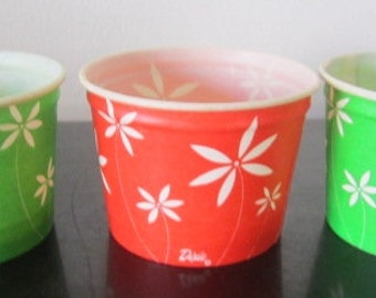 Unused 1960s Dixie Clown Cups Happy Birthday #4008 Party Paper Cups unique designs Big Tent Circus Magicians Trapeze Jugglers Strongman