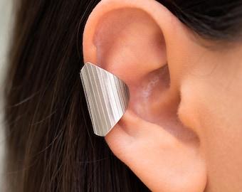 Geometric ear cuff no piercing, ear cuff non pierced, silver earcuff no piercing, suspender earring, silver ear crawler, rose gold ear cuff