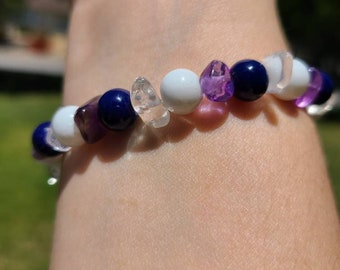 Bracelet: purple and white beaded glass and amethyst with silver plating
