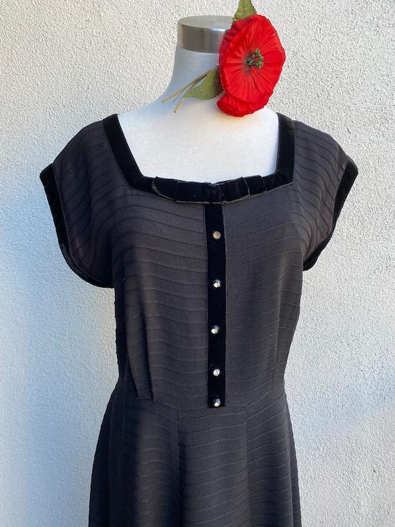 L 40s 50s Black Cocktail Dress Rayon Velvet Rhines