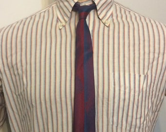 Vintage MENS Stephan's red, blue & purple vertical striped iridescent silk skinny tie, with leaf decoration, circa 50-60s