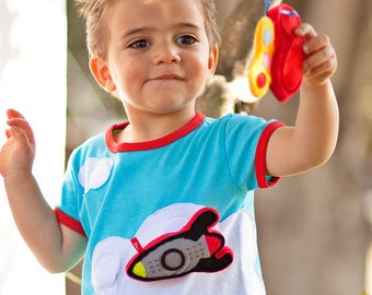 BEEETÚ T-shirt Cloud surf with rocket toy