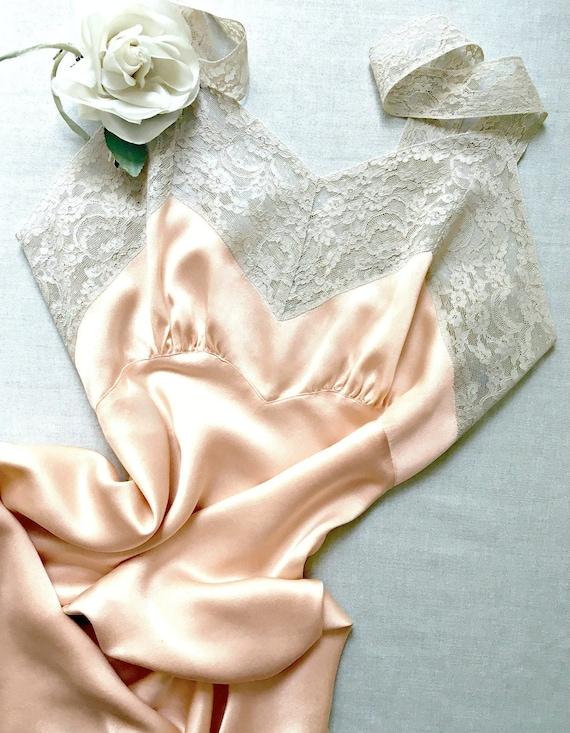 Vintage lingerie Fischer 1940s peach silk satin ch