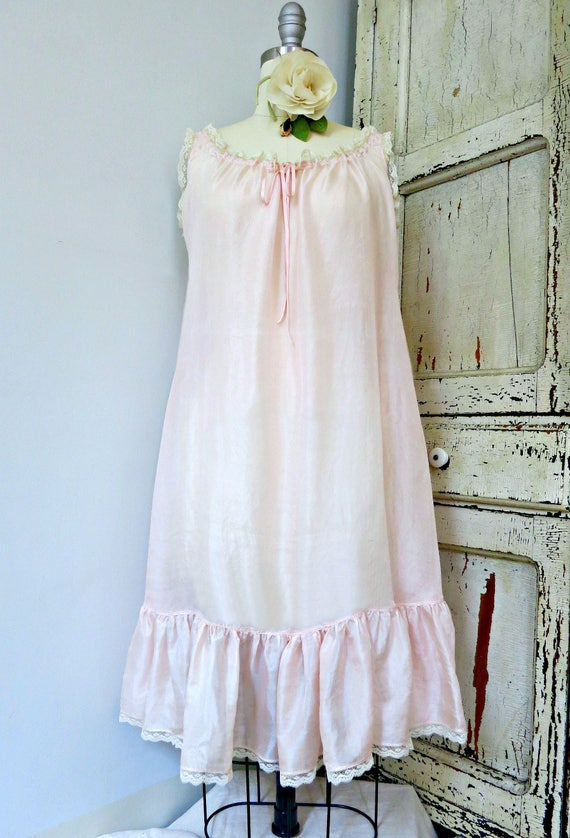 Vintage ingerie 1920s pale pink China silk babydoll chemise  0a626f8bc