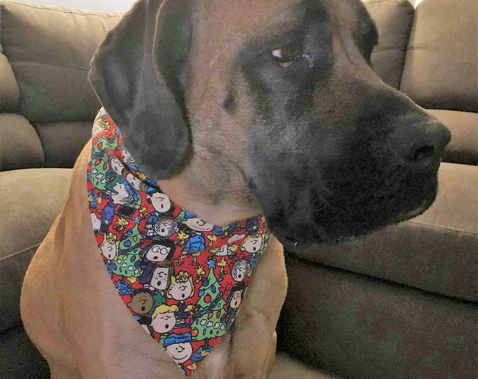 Reversible Adjustable L, XL, and XXL Pet scarf bandana with snaps Christmas and everyday