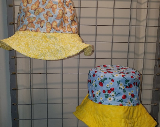 Reversbile bucket Hat Strawberry vines and yellow butterfly with yellow brim
