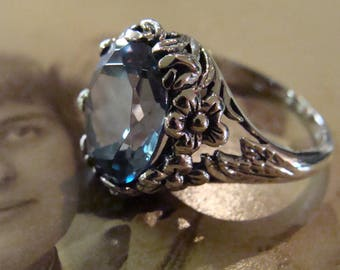 Art Nouveau design Sterling Silver Aquamarine  Ring Size 6