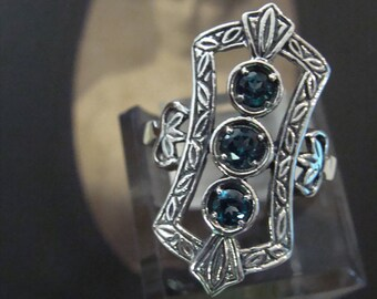 Lovely Sterling Silver London Blue Topaz  Ring  Size 9